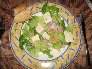 Salade mit Brie